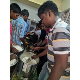 The food donation is given on 13/10/2019 by Naina mohamed college B.sc cs 2003 batch and Singai Udhavum Karangal friends.