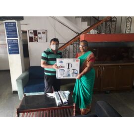 Preeti Mixi, Emergency Lights were donated in Kalaiselvi trust in Chennai on 21/09/2020 by Naina Mohamed college B.sc cs 2003 batch and Singai Udhavum Karangal friends and Thulasi Ram sir and his colleagues.