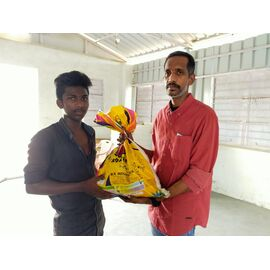 The groceries donation was given in Aranthanki on 29/05/2020 by Naina mohamed college B.sc cs 2003 batch and Singai Udhavum Karangal friends.