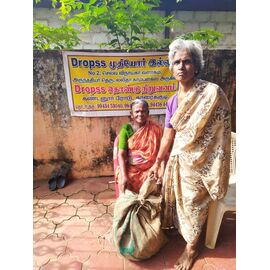 The groceries donation was given in Karaikudi on 13/08/2020 by Naina mohamed college B.sc cs 2003 batch and Singai Udhavum Karangal friends.