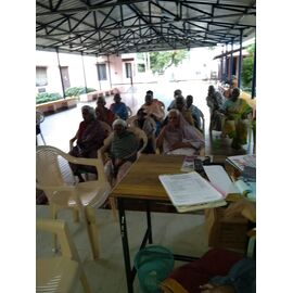 The food service is distributed in Osanam Elders home, Thanjavur on 20/12/2020 by Naina mohamed college B.sc cs 2003 and Singai Udhavum Karangal friends.  The service is initiated by Priya in Thanjavur from NMC friends group and As she is not allowed to enter into the home due to Covid-19, she followed up the activities via phone call.