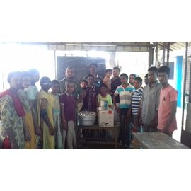The food donation is given to Aranthanki Annai hearing & speech School on 12/01/2020 by Naina mohamed college B.sc cs 2003 batch and Singai Udhavum Karangal friends.